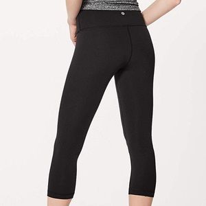 Brand new Lululemon crop